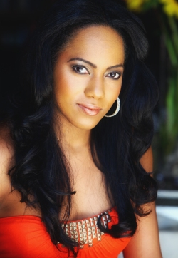 Chantal Raymond: Miss Jamaica World 2010